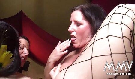 दो खूबसूरत sluts के साथ कमबख्त सेक्सी मूवी फुल हिंदी जो गुदा प्यार करते हैं