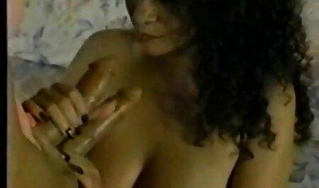 छात्रों ने एक छात्रावास में एक मेगा सेक्सी मूवी हिंदी फिल्म गैंगबैंग फेंक दिया