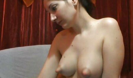 दोस्त एक मोटी लिंग के पंजाबी ब्लू सेक्सी मूवी साथ एक प्यारी बकवास करता है और शुक्राणु को उसके मुंह में डालता है