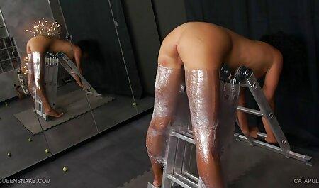 बालों वाली चूत पंजाबी सेक्सी फिल्म मूवी के साथ श्यामला खुद को सहलाती है