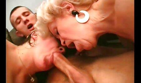 सुडौल श्यामला वेब कैमरा पर हस्तमैथुन सेक्सी मूवी मूवी हिंदी में करता है
