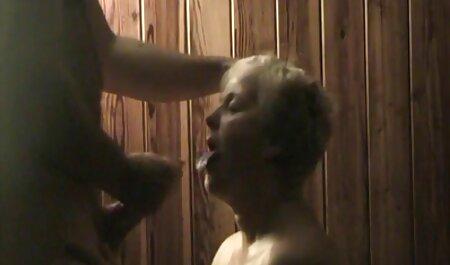 एक युवा एशियाई एक लिंग को चूसता है, हिंदी सेक्सी मूवी फिल्म वह एक आकार पसंद करता है जो उसके गले में मुश्किल से फिट बैठता है, कुतिया को टॉन्सिल में मुंह में बैरल डालना पड़ता है