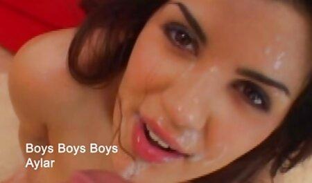दोस्त ने एक सेक्सी मूवी हिंदी वीडियो लाल बालों वाली सेक्सी लड़की पर काली चड्डी पहनी और उसकी चुदाई की