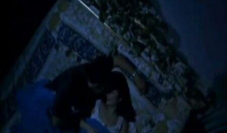 वेश्यालय में चिक कास्टिंग हिंदी सेक्सी फुल मूवी वीडियो के लिए आया था