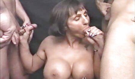विशाल स्तनों के साथ हॉट लैटिना अपने होंठों के साथ स्टालियन के मुर्गा को मुश्किल से पॉलिश सेक्सी हिंदी फुल मूवी करती है