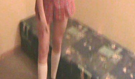 गोरी खुद को वेबकैम पर अपनी प्रेमिका के सेक्सी मूवी फुल हिंदी लिए लाड़ करती है