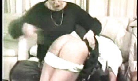 पेंटेड कुतिया ने एक मोटे आदमी का लंड सेक्सी हिन्दी मूवी चूसा