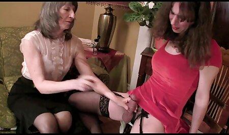 सेक्सी वर्दी में पोर्नस्टार जूडी बिस्तर पर भावुक हस्तमैथुन सेक्सी हिंदी वीडियो मूवी करती है